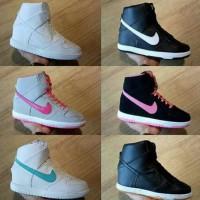 Sneakers Wedges Nike Sky High Dunk
