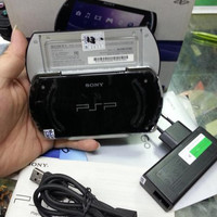 PSP GO 16GB FULL GAME 40AN GAME TINGGAL MAIN