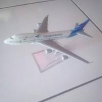 Miniatur Pesawat Garuda Indonesia 2 Mesin