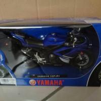DIECAST MOTOR YAMAHA YZF -R1 1/12 NEWRAY