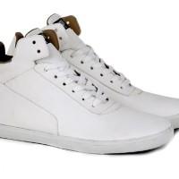 Sepatu Casual Pria Sneakers Kets Bertali Sintetis Cowok Putih Original