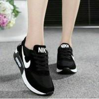 Nike Replika KW 1/Sepatu Wanita Murah
