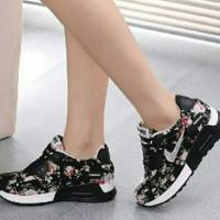 Sepatu Nike Replika/Sepatu Wanita KW No 1
