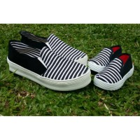 harga Couple Shoes Mom And Kids Black Blaster Tokopedia.com