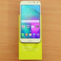 Samsung galaxy E5 1,5/16gb second/bekas