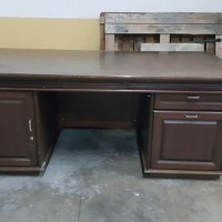 Meja kantor; meja kerja; meja komputer; meja direksi - bekas (second)
