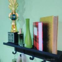 rak dinding minimalis, hook, gantungan, rak buku.
