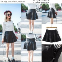 41825 Black Flirt Skirt / Rok Flare Hitam Kulit
