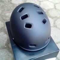 Helm Batok BMX Genio G12, Hitam Doff Matt Size L