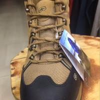 Sepatu Co-trek Elder