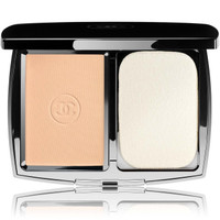 Chanel Perfection Lumiere Extreme Compact Powder Foundation