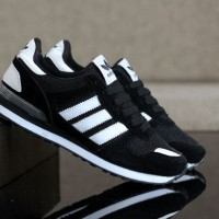 Adidas ZX 700 Black White2