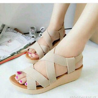 Wedges Karet S35 Cream Terlaris