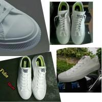 Sepatu / Converse All star / Chuck taylor II /white / made in vietnam