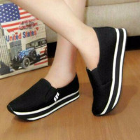 Sepatu Wanita / Sepatu Kets / Sepatu Casual / Adidas Rep Polos Hitam