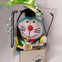 Jual Boneka Wisuda Doraemon |Hadiah wisuda Boneka Doraemon Mini | Kado Murah