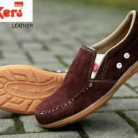 harga Sepatu Kickers Slip On Suede Beludru Casual Pria 3 Warna Tokopedia.com
