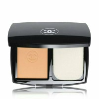 chanel le teint ultra teint ultraweat flawless compact foundation