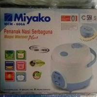 Rice Cooker / Penanak Nasi Miyako MCM 606A