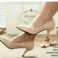 Sepatu Wanita Heel Heels Pantofel Glossy Cream Diskon