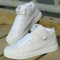 Boots Nk White