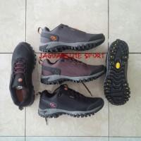 harga Sepatu Gunung Merrell Chameleon Storm Goretex Mountain Grip Premium Tokopedia.com