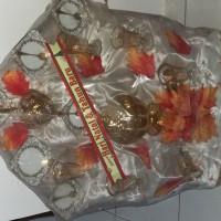 Parcel Keramik untuk Natal dan Tahun Baru