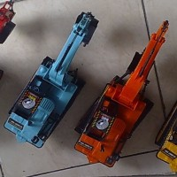 Mobil mainan/mobil beko