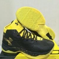 Sepatu Basket Under Armour Curry 2.5 Dark Knight   Nike   Kyrie   UA db5efe7ff1