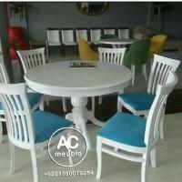 1 Set meja makan bundar