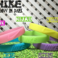 NIKE GLOW IN THE DARK BRACELET WRISTBAND GELANG KARET ADIDAS NBA MURAH