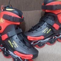 Sepatu Roda Freestyle Black-Red Metalic