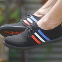 Sepatu Spesial / Sepatu Adidas Casual Tali Warna Hitam / Sepatu Jalan