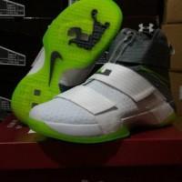 0f95d53e662 Sepatu Basket Nike Lebron Zoom Soldier 10 Dunkman   kobe   curry