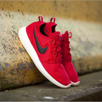 SNEAKERS NIKE ROSHE TWO *gym red /black /volt
