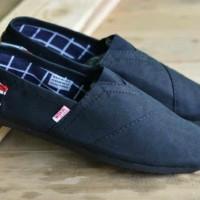 harga Sepatu Wakai Full Black / Full Hitam Tokopedia.com