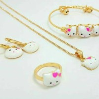 Set Anak Hello Kitty ( Gelang + Kalung + Cincin + Anting )