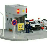 Tomica Town Police Station