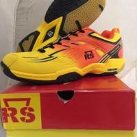 Jual Perlengkapan Olahraga Sepatu Badminton RS - Superliga 800 Diskon