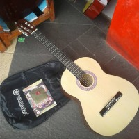 Gojek Only / Paket Gitar Klasik Nylon Pemula