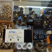 pneumatic solenoid valve Airtac 4V210 - 08