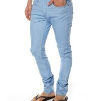 Celana Jeans Pria Wrangler Model Skinny (Pensil) Bioblitz Biru (Muda)