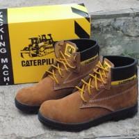 SAFETY BOOT CATERPILLAR COKLAT MUDA SOL KARET / SEC 02