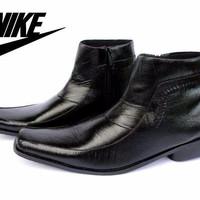 Sepatu Best Seller / NIKE PANTOFEL KULIT WARNA HITAM KERJA KANTOR PRIA