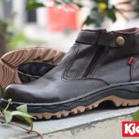 Sepatu Best Seller Terbaru / SEPATU KICKERS BOOTS SAFETY FULL BROWN / KE