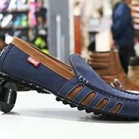 Sepatu Pria Adidas Slipon Bahan Kulit Buk Hitam Navy Rempel