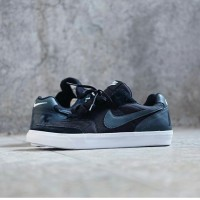 "Nike Tiempo Trainer Skate Low ""Black White"""