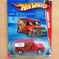 HOT WHEELS ARMORED TRUCK RED RACE WORLD CITY 2010 #182/214
