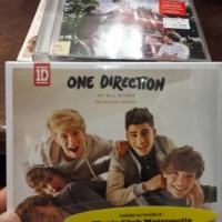 CD ONE DIRECTION - UP ALL NIGHT SOUVENIR EDITION