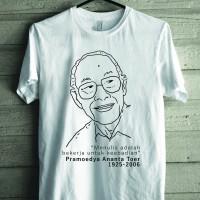 Kaos Pramoedya Ananta Toer Menulis (Putih)